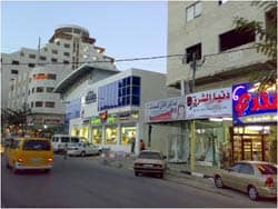 New Bravo market in Hebron: Photo courtesy of Myahya via C.C. license at Flickr